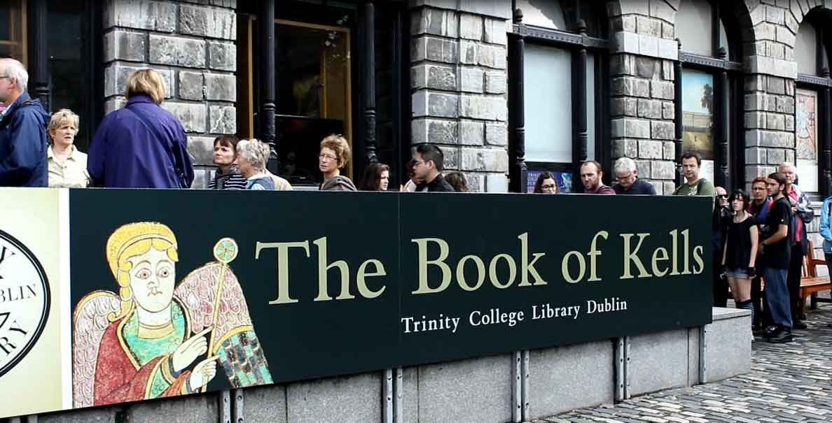 Video: Trinity College & Book of Kells